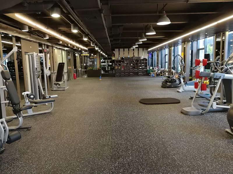 thảm cao su trải sàn phòng gym