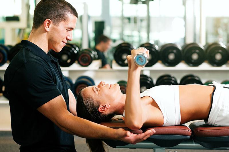 tuyển dụng nhân sự phòng gym bình dân