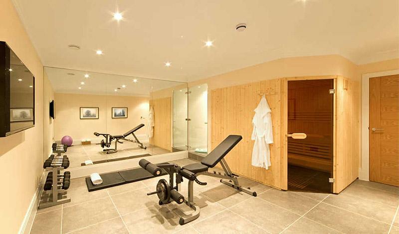 phòng tập gym có phòng xông hơi