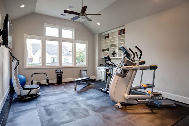 làm phòng tập thể dục trên tầng gác mái