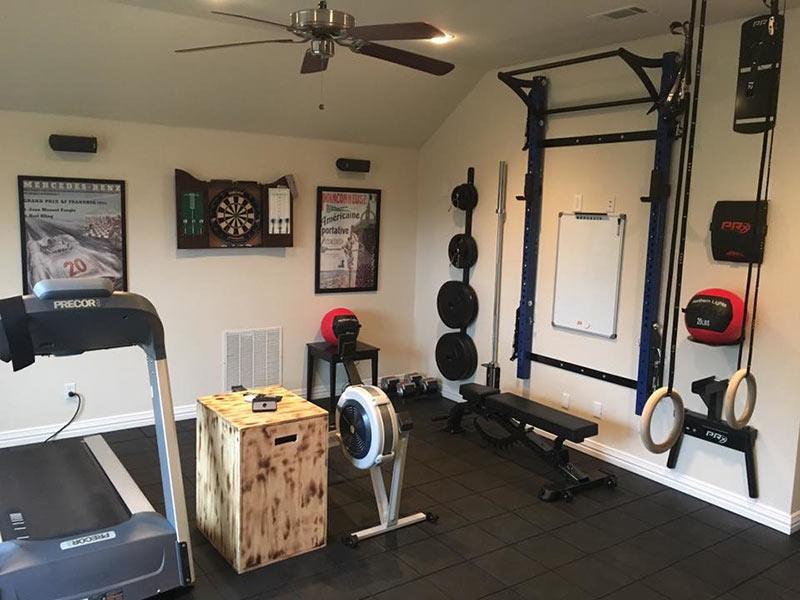 Phòng gym tại nhà cực chill cho các gymer nam