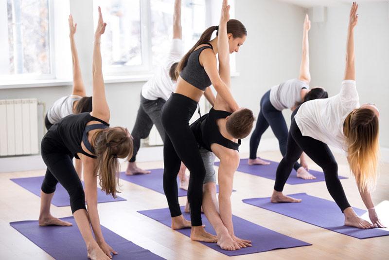 huan-luyen-vien-yoga