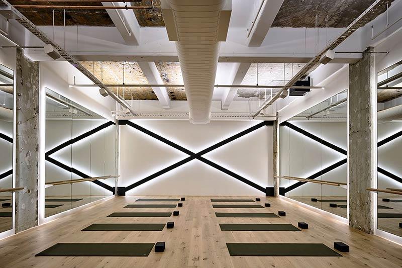 phong-tap-yoga-trong-khach-san-1